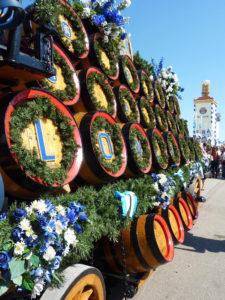 oktoberfest chariot de futs de biere