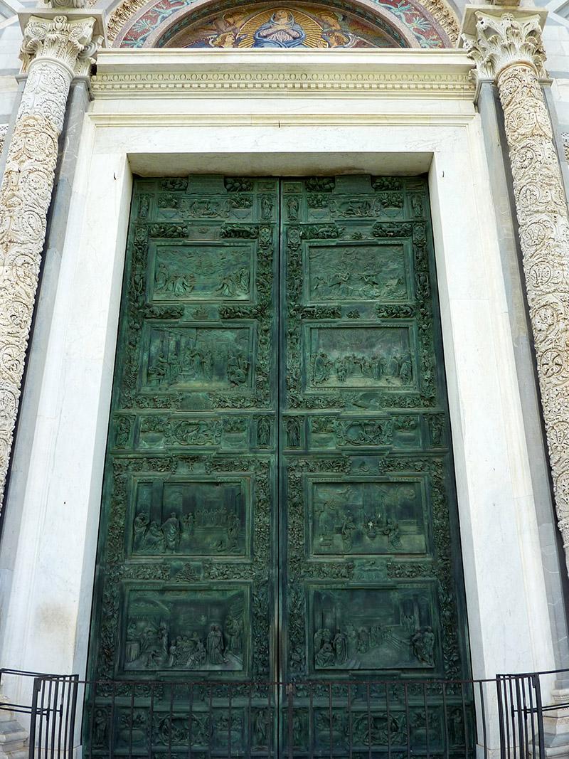 porte de la cathedrale de pise