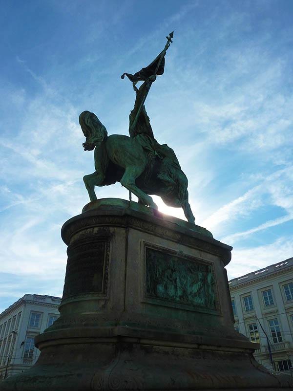 bruxelles statue godefroy bouillon
