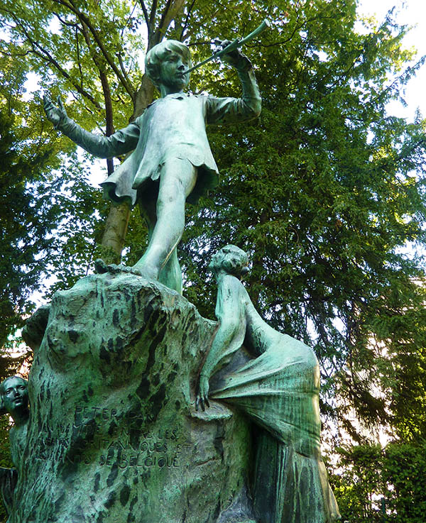 bruxelles statue peter pan