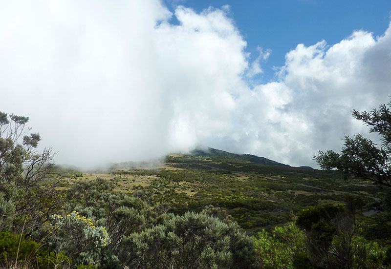 route volcan nuages