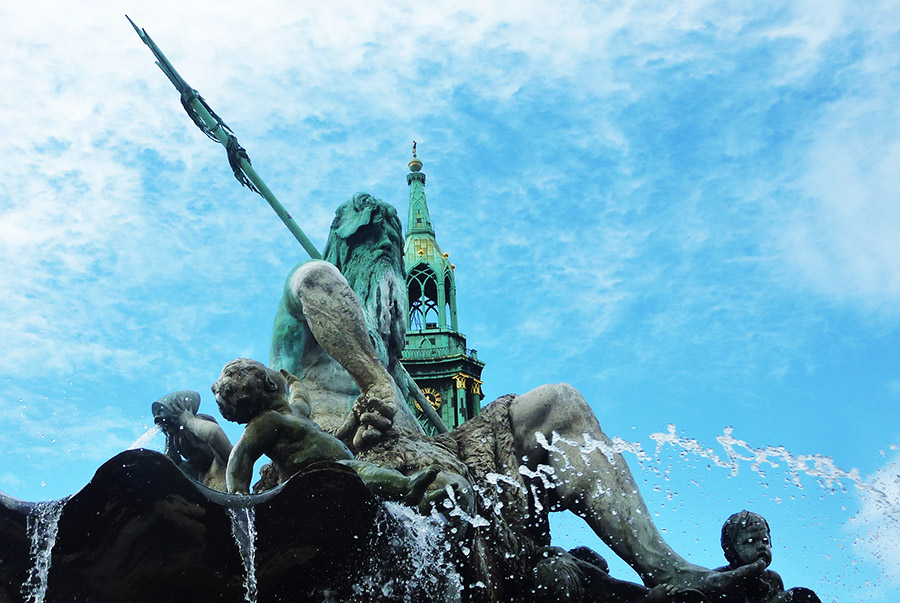 berlin fontaine neptune