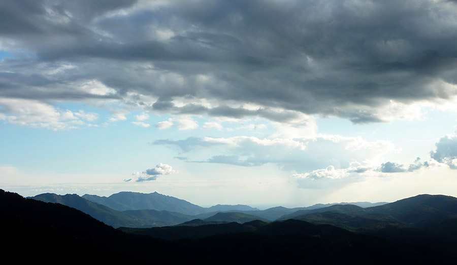 corse bavella nuages
