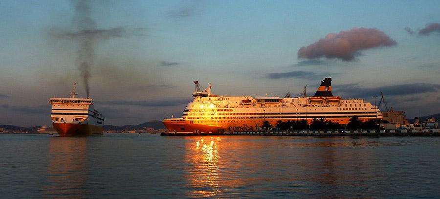 corse ferry