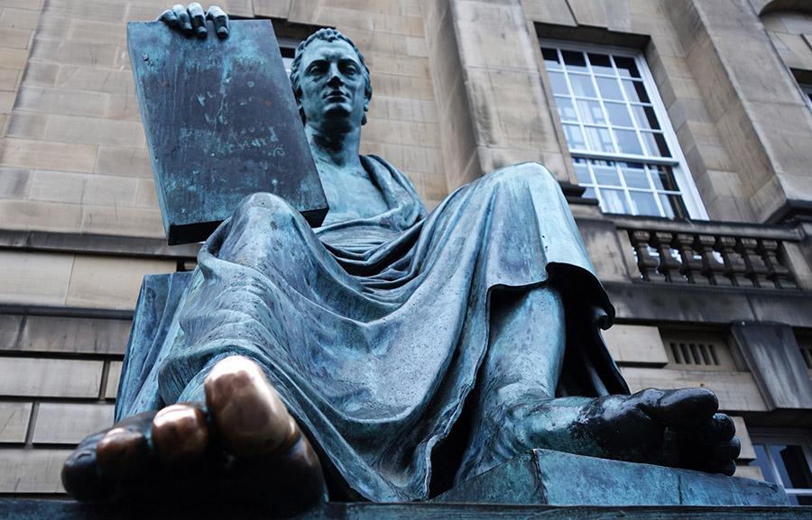 edimbourg david hume statue