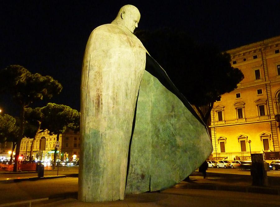 rome statue jean-paul 2