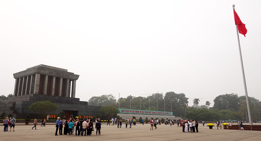 vietnam hanoi mausolee ho-chi-minh