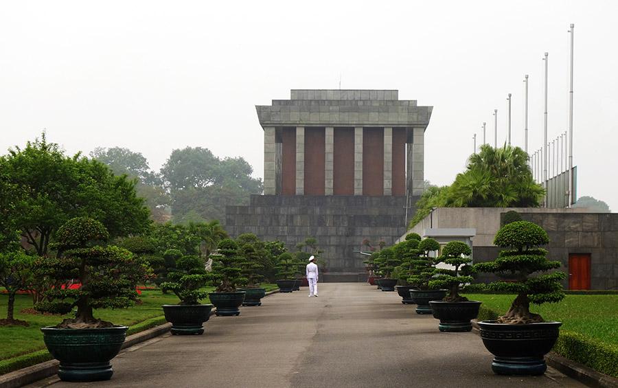 vietnam hanoi memorial ho-chi-minh