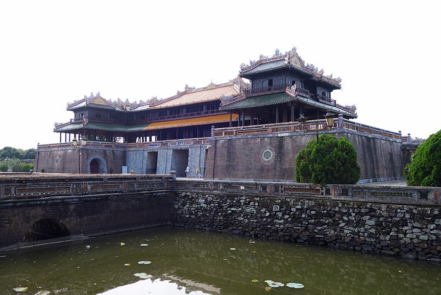 vietnam hue cite imperiale porte midi