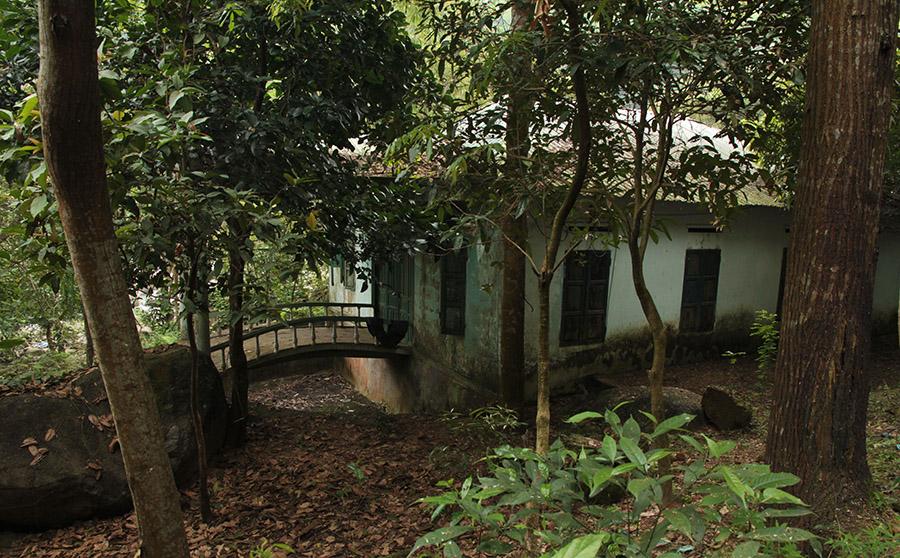 vietnam hue suoi voi cascade elephant maison hante