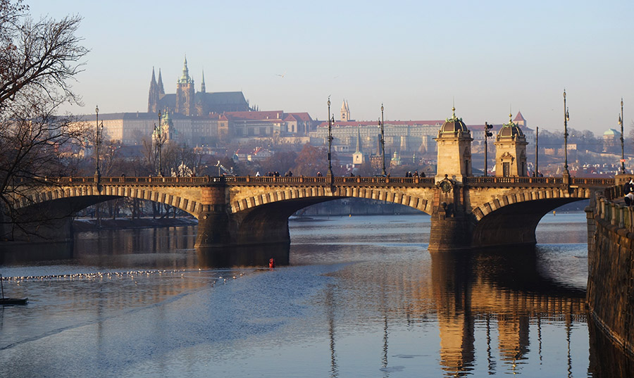 prague pont legion