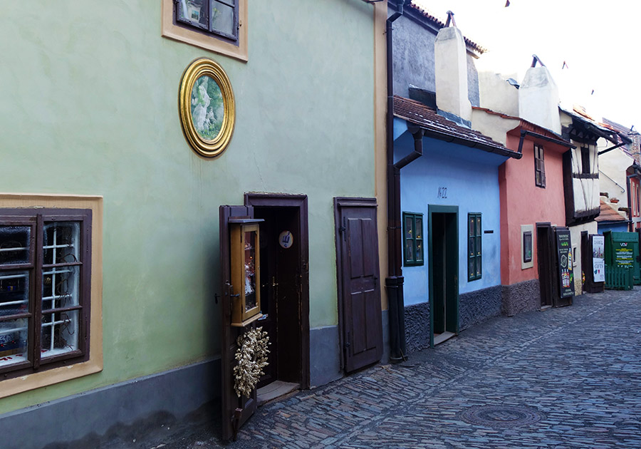 prague ruelle or