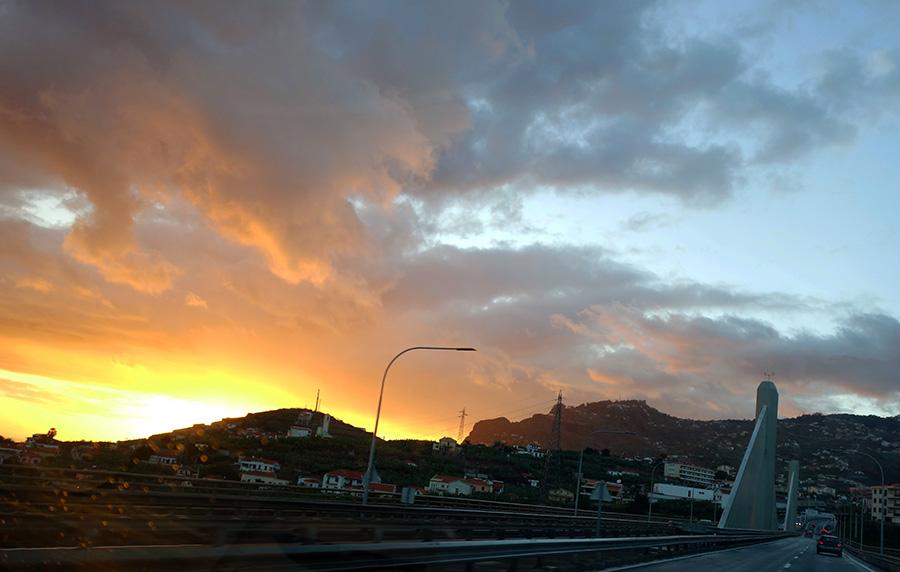 madere pont route coucher de soleil sunset