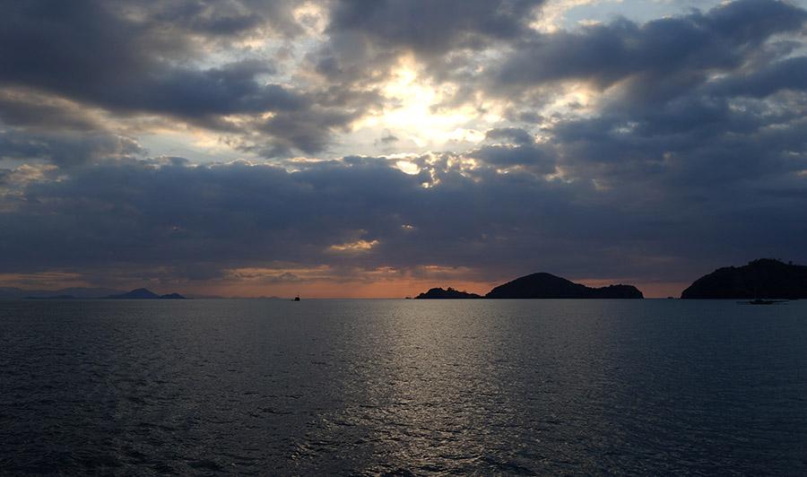 indonesie komodo labuan bajo sunset