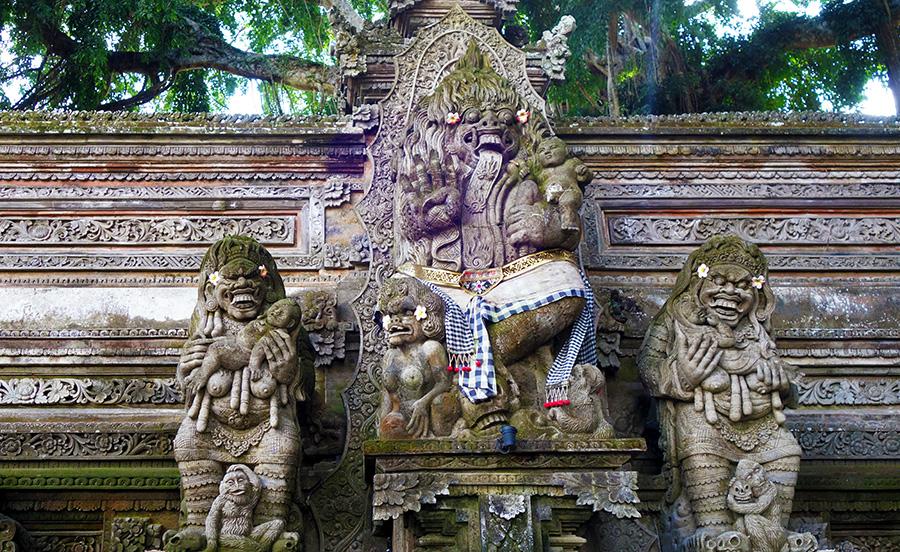 indonesie bali temple ubud pura dalem statue