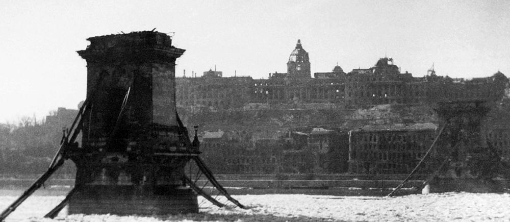budapest hongrie chateau ruine castle guerre