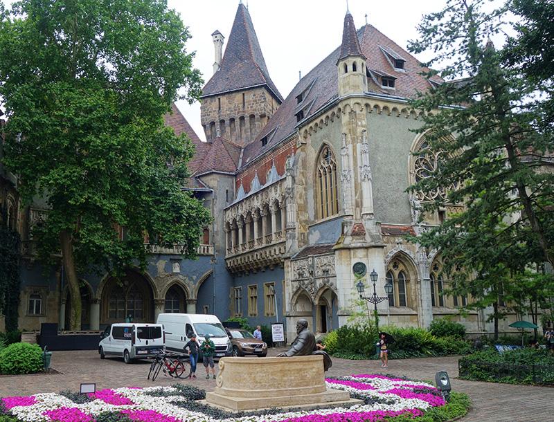 hongrie budapest chateau vajdahunyad