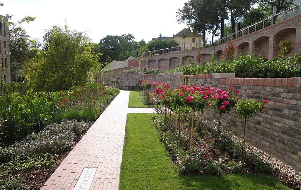 hongrie budapest mausolee gul baba jardin des roses