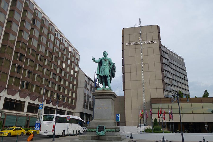 hongrie budapest jozsef eotvos statue