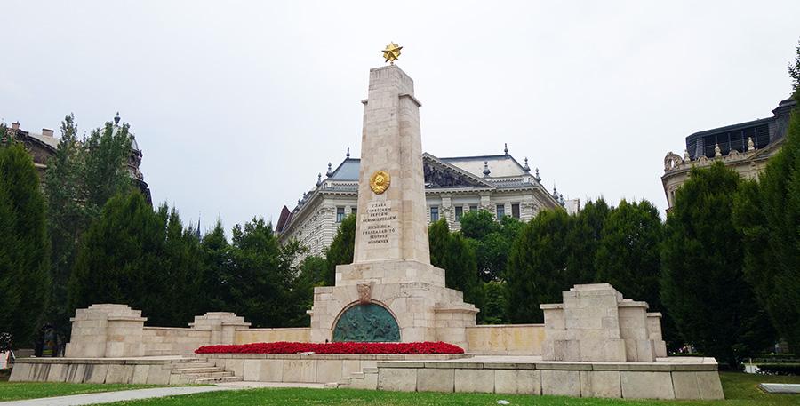 hongrie budapest monuments soldats sovietiques