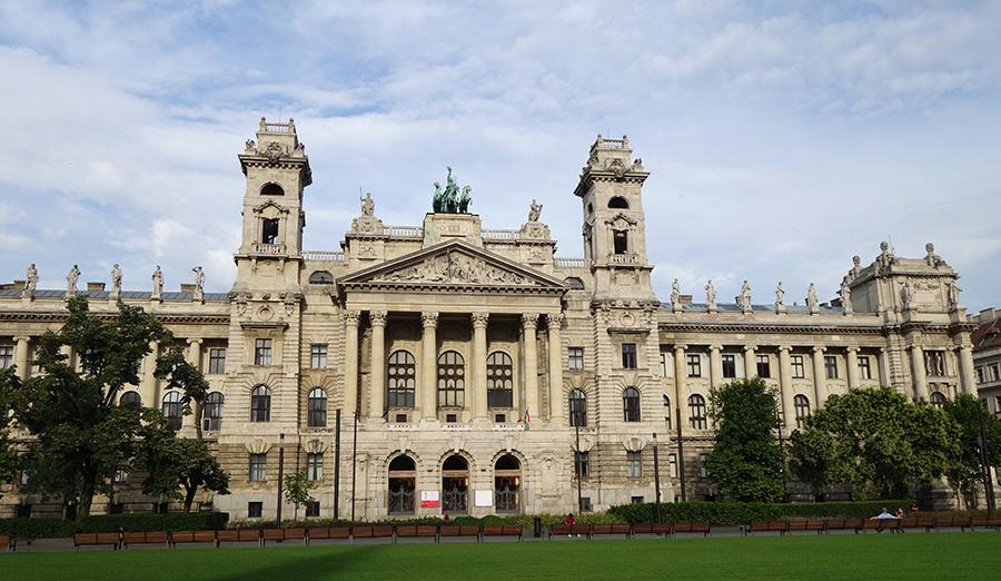 hongrie budapest musee neprajzi ethnographique