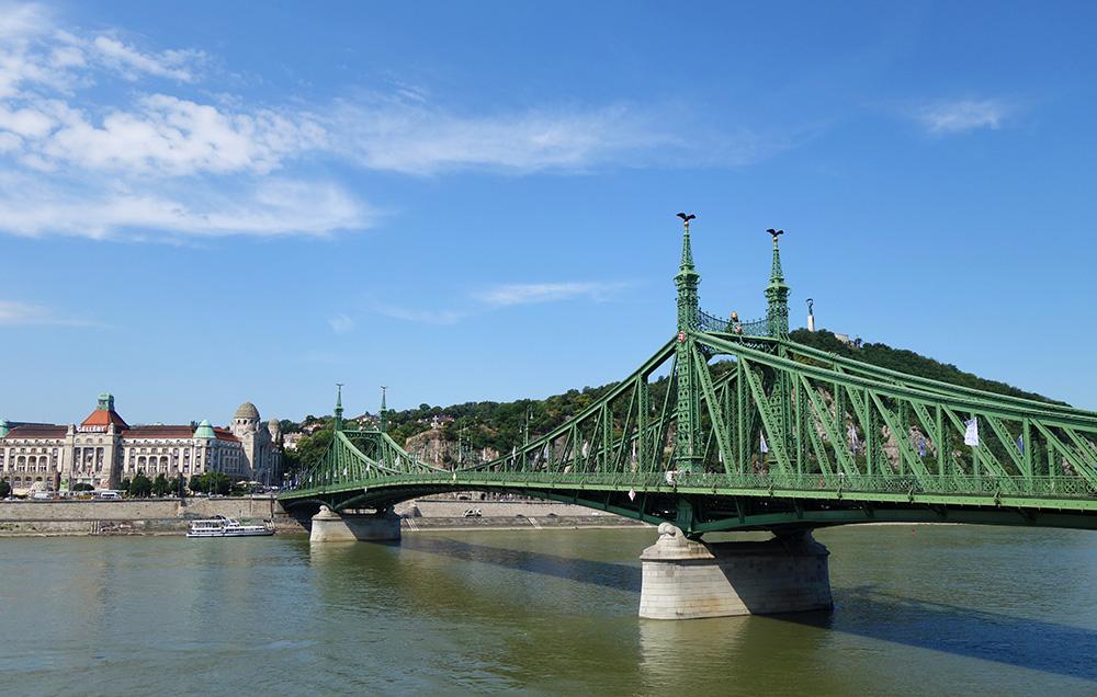 hongrie budapest pont liberte