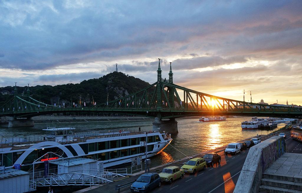 hongrie budapest pont liberte sunset coucher soleil