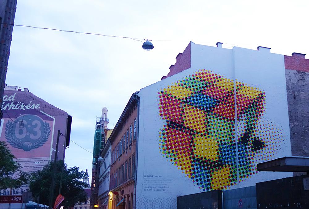 hongrie budapest rubik cube neopaint