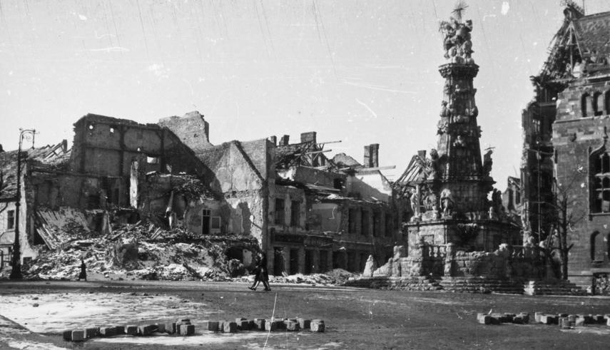 hongrie budapest ruine guerre 1945