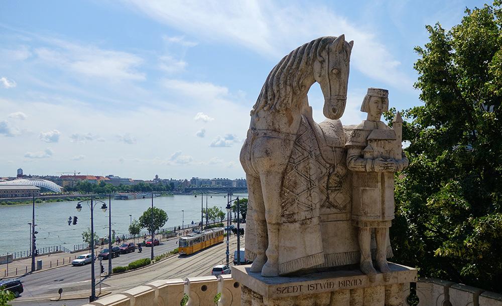 hongrie budapest statue roi etienne
