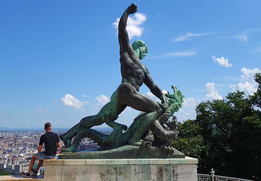 budapest hongrie statue liberte