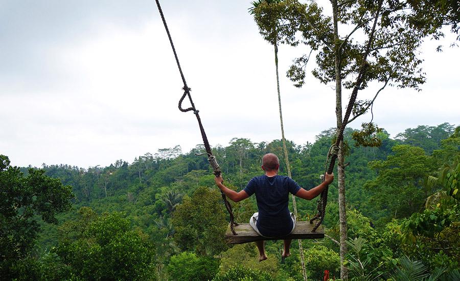 indonesie bali balancoire jungle