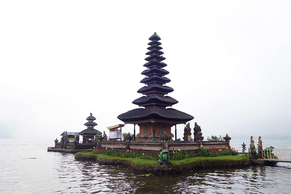 indonesie bali ulun danu beratan temple lac