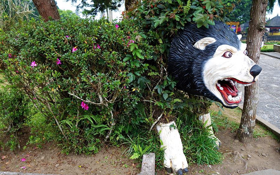 indonesie bali ulun danu beratan parc statues animau animals