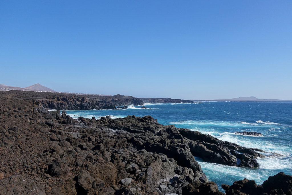 canaries lanzarote falaises ocean
