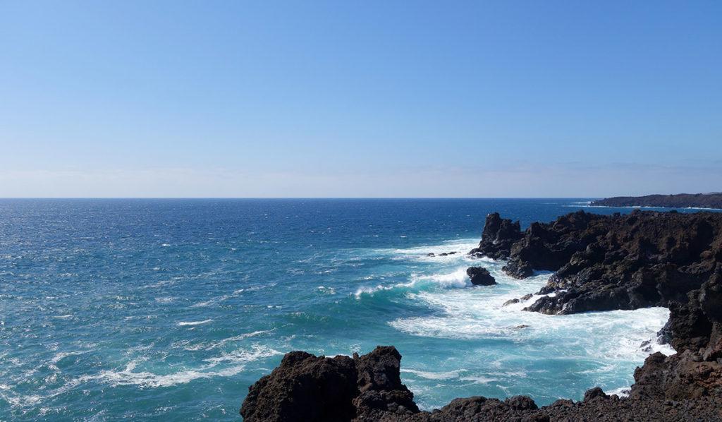 canaries lanzarote los hervideros falaise ocean mer vague ecume