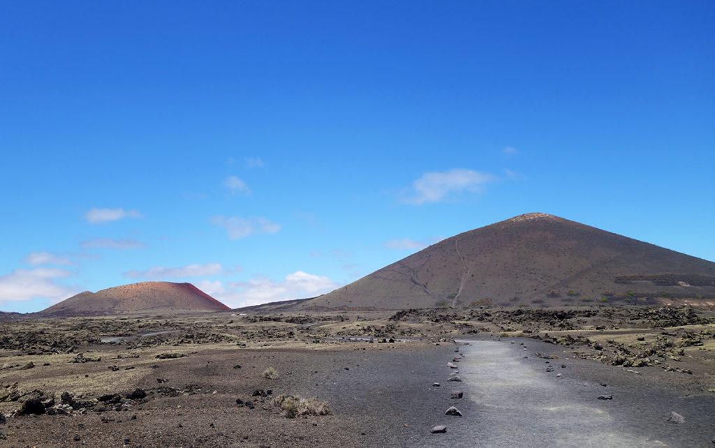 canaries lanzarote los volcanes volcan cratere montana negra