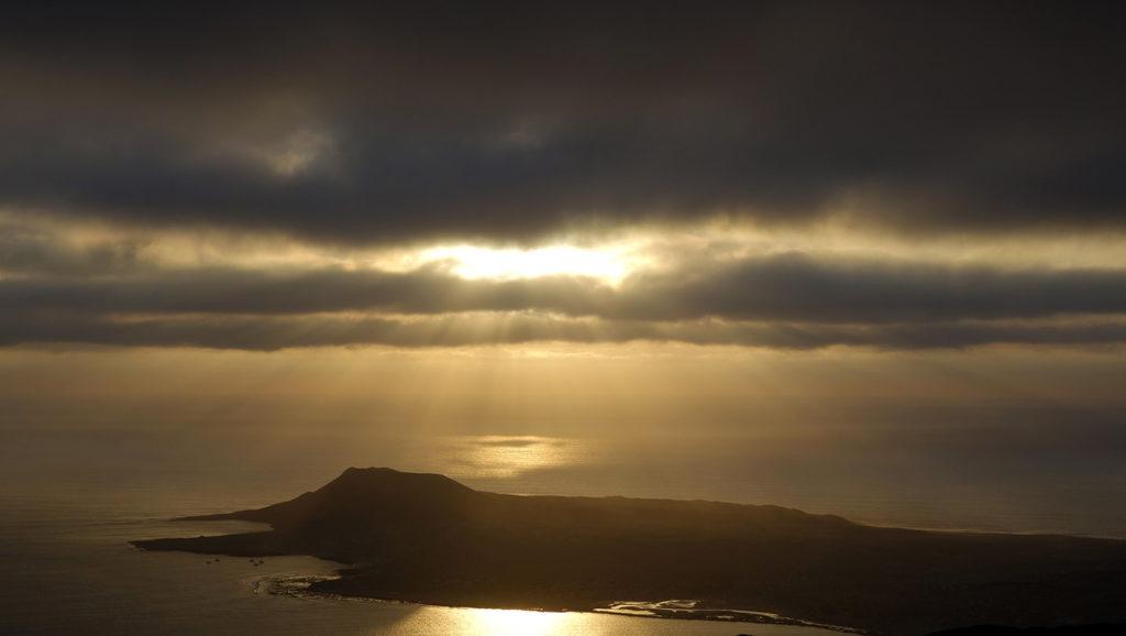 canaries lanzarote ile island graciosa sunset