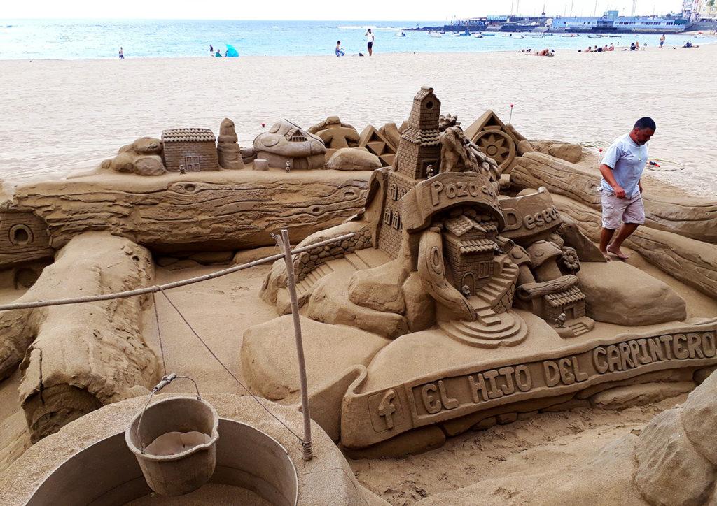 canaries gran canaria las palmas plage playa sculpture sable sand beach