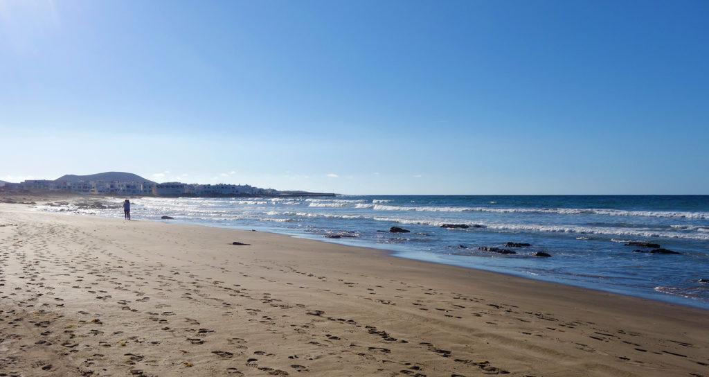 canaries lanzarote caleta plage beach