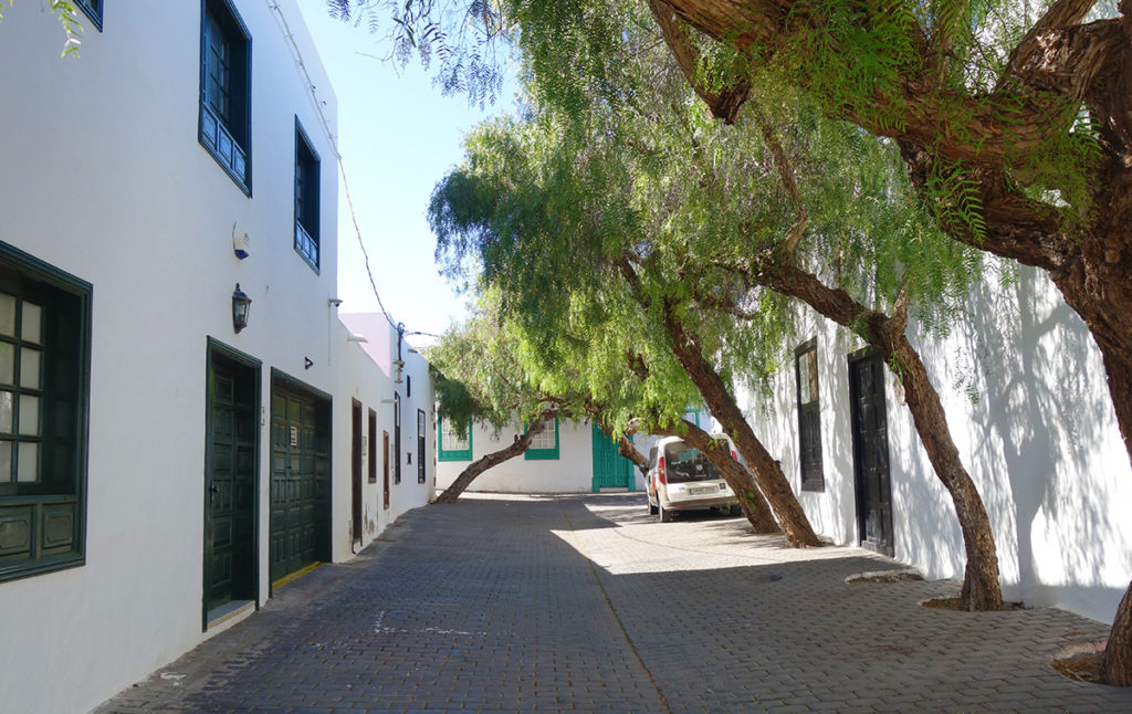 canaries lanzarote teguise eglise place rue ruelle